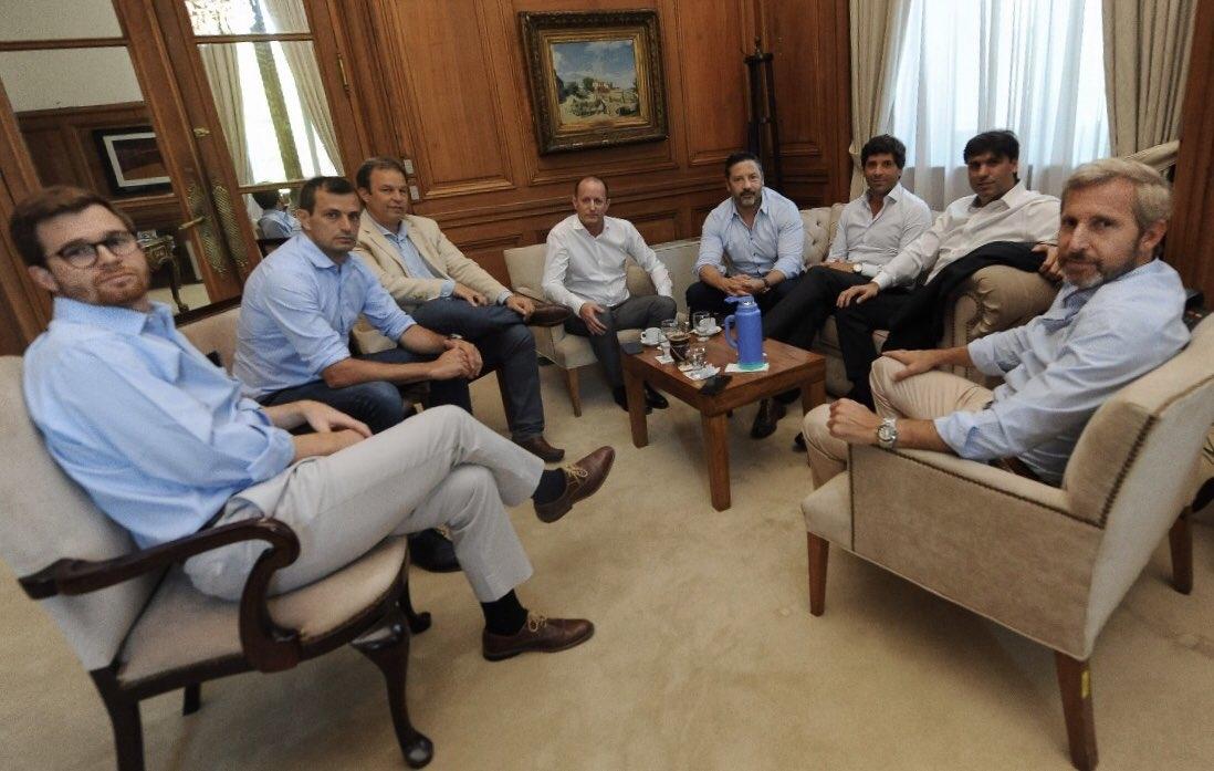 Reunión de Frigerio y Monzó con Bossio e intendentes — Cumbre con opositores