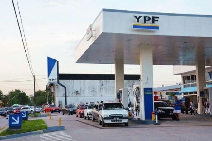 Este sábado vuelve a aumentar el precio de la nafta — Combustibles