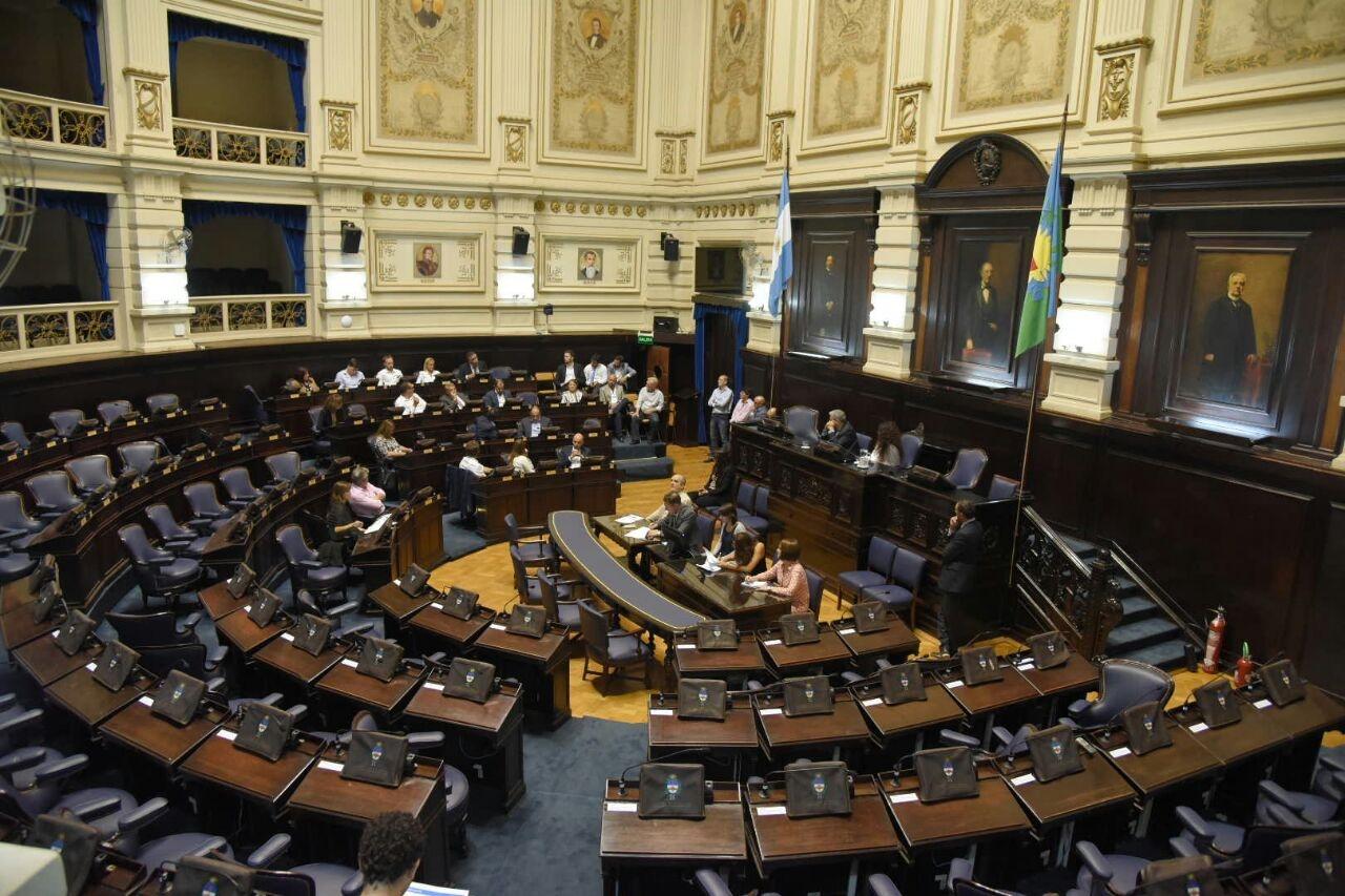 La oposición fracasó en su intento por frenar los tarifazos — Legislatura