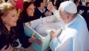 Cunas de Cartón... con la bendición de Francisco I