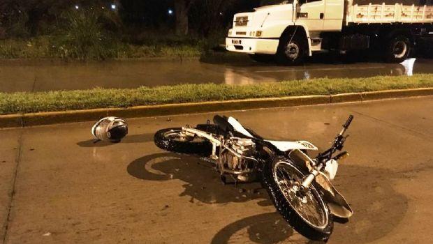 Un  motociclista en grave estado