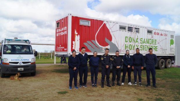 190 cadetes de policía donaron sangre