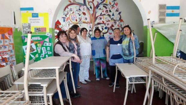 Entregaron nuevos mobiliarios para escuelas primarias de Chivilcoy