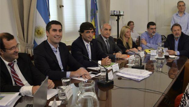 Con la visita de Lacunza, comienza en el Senado el debate por el Presupuesto 2019