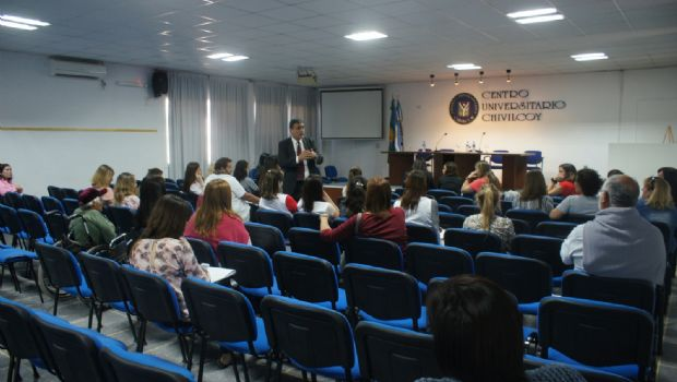 Se llevó a cabo una charla sobre el programa Discapacidad y Universidad