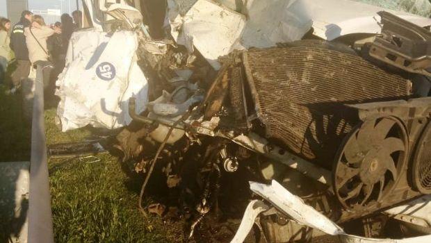 ADELANTO: Chocó una combi de la empresa Santorini en el Acceso Oeste