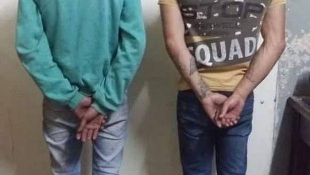Dos aprehendidos por robo de un auto