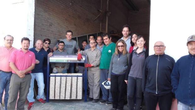 Dos empresas celebraron el Día del Voluntariado en el taller de carpintería de Atiadim