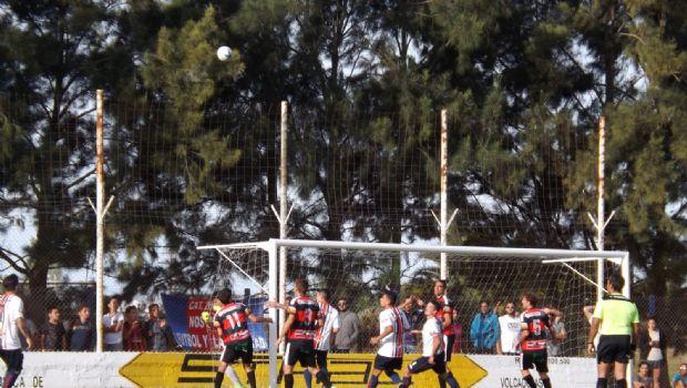 Colón goleó al Frontón en Giles