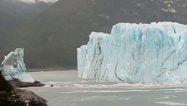 El glaciar Perito Moreno se rompe mientras todos duermen