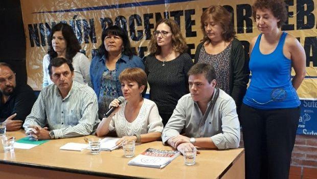 """Sin anunciar paros, docentes reclamaron un llamado """"urgente"""" a paritarias"""