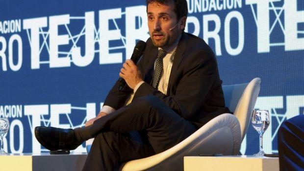 """La Unión Industrial Argentina advirtió que el """"empleo va a seguir cayendo lentamente"""""""