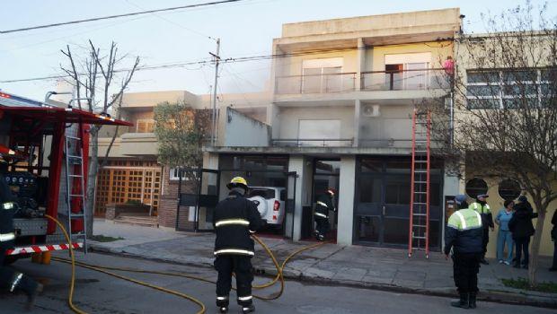 ADELANTO: Se prendió fuego un departamento