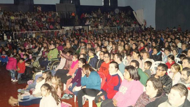 """Cerca de mil personas en la apertura de  la obra musical """"Animarse a Volar"""""""