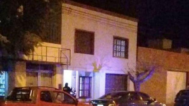 Personas encapuchadas y armadas robaron en una vivienda