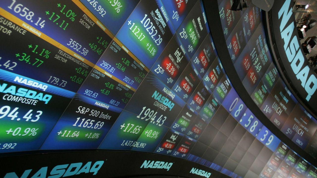 Acciones argentinas en Nueva York se desploman 8% pese a que Wall Street toca máximos