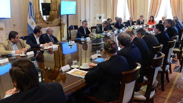 En medio de fuertes rumores, Macri reúne al Gabinete ampliado en Olivos