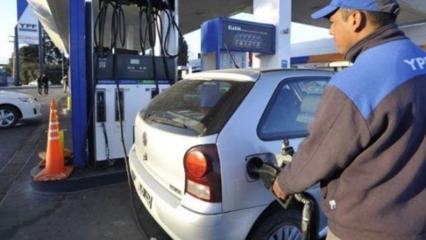 YPF nuevamente aumentó el precio de sus combustibles y la premium ya superó los 36 pesos
