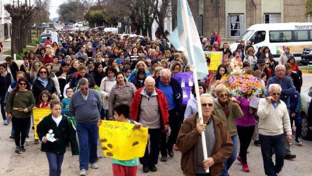 """Ciento de fieles celebraron el día de """"San Cayetano"""""""