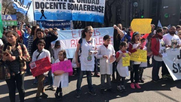 Docentes bonaerenses comenzaron el paro por 48 horas en medio de una jornada de protesta nacional