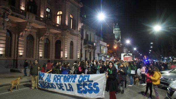 Centros de estudiantes marcharon por la educación pública