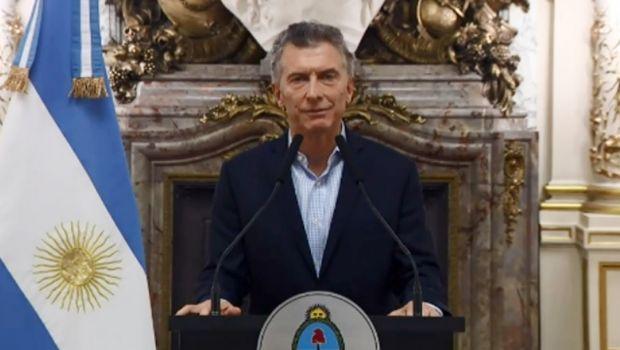 """En la UIA, Macri agradeció """"el aporte fundamental"""" de los industriales"""