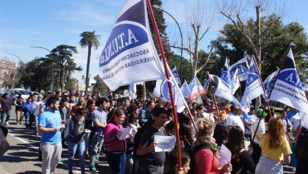El Centro Regional Chivilcoy se movilizó para  visibilizar el ajuste en la Universidad Pública