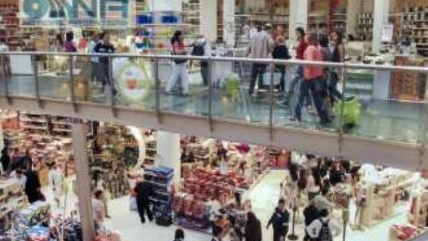 Aumentos de alrededor de 15% en supermercados y mayoristas