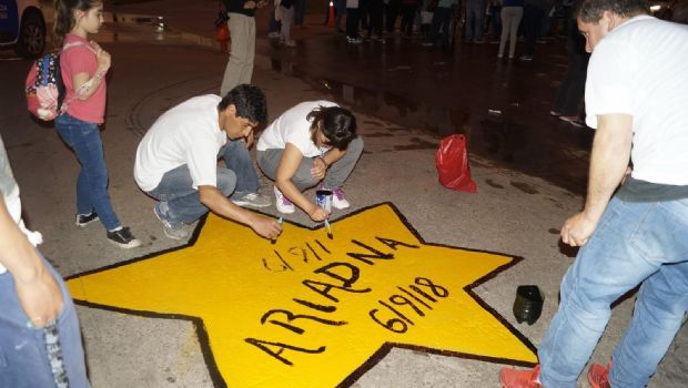 En medio del dolor, pintaron una estrella amarilla por Ariadna Fleitas
