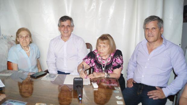 Se firmó la escrituración del  Parque Industrial de Moquehuá