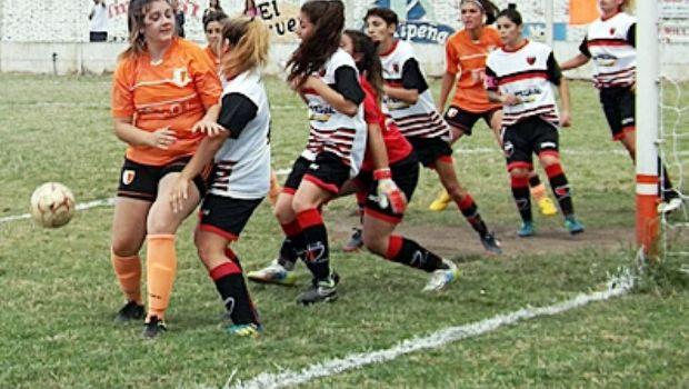 Primera reunión del fútbol femenino