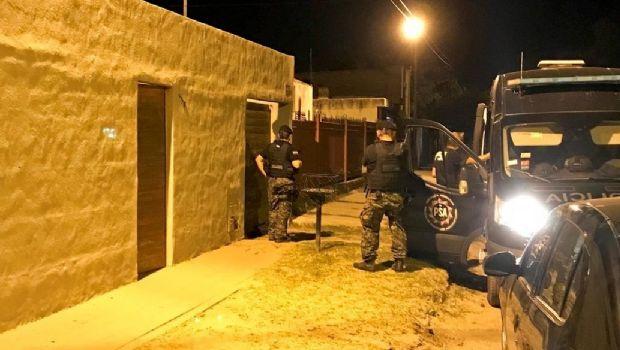 Escándalo por narcolavado en Río Cuarto: allanan la jefatura de Policía