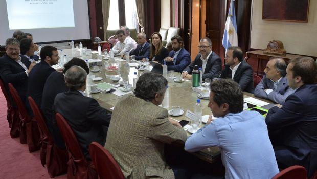 Vidal encabezó una reunión de Gabinete con acento en la situación fiscal