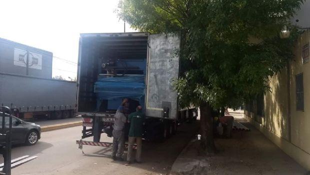 Se llevan maquinaria de la planta de Paquetá en la avenida Mitre