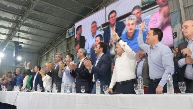 El PJ hace cumbre en Avellaneda para mostrar a sus candidatos a Gobernador