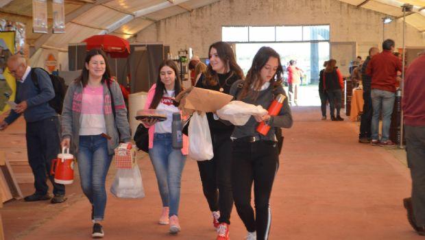 Casi 1000 personas visitaron la 22ª Expo Apícola