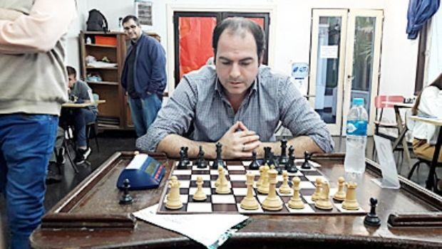 Salinardi, único líder del Torneo Abierto
